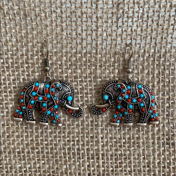 Jewelry - Elephant Dangle Earrings